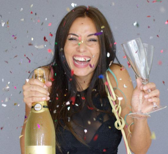 ¡Brindemos por el año que se va!